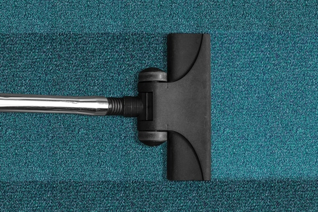 using a wet-vac to dry a water damaged carpet